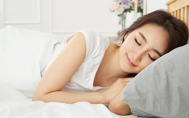 泉里香さんのダイエット方法③ 夜10時には寝る
