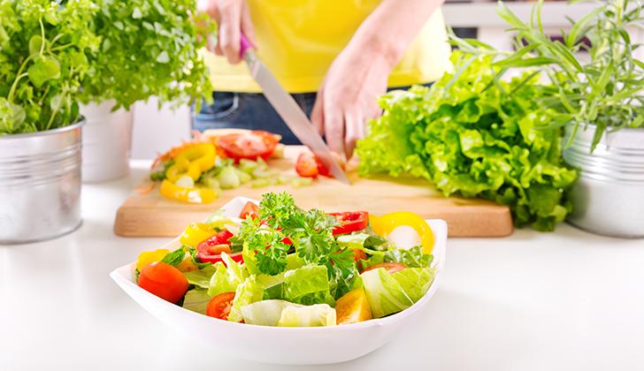 食べ過ぎた次の日の食事改善法