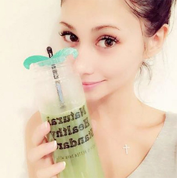 ダレノガレ明美さんも愛用するミネラル酵素グリーンスムージー